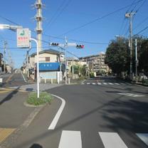 津田沼駅方面から大久保駅方面へ直進